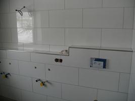 Badezimmer selber Fliesen, Fliesen verlegen