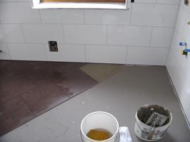 badezimmer selber fliesen fliesen verlegen. Black Bedroom Furniture Sets. Home Design Ideas